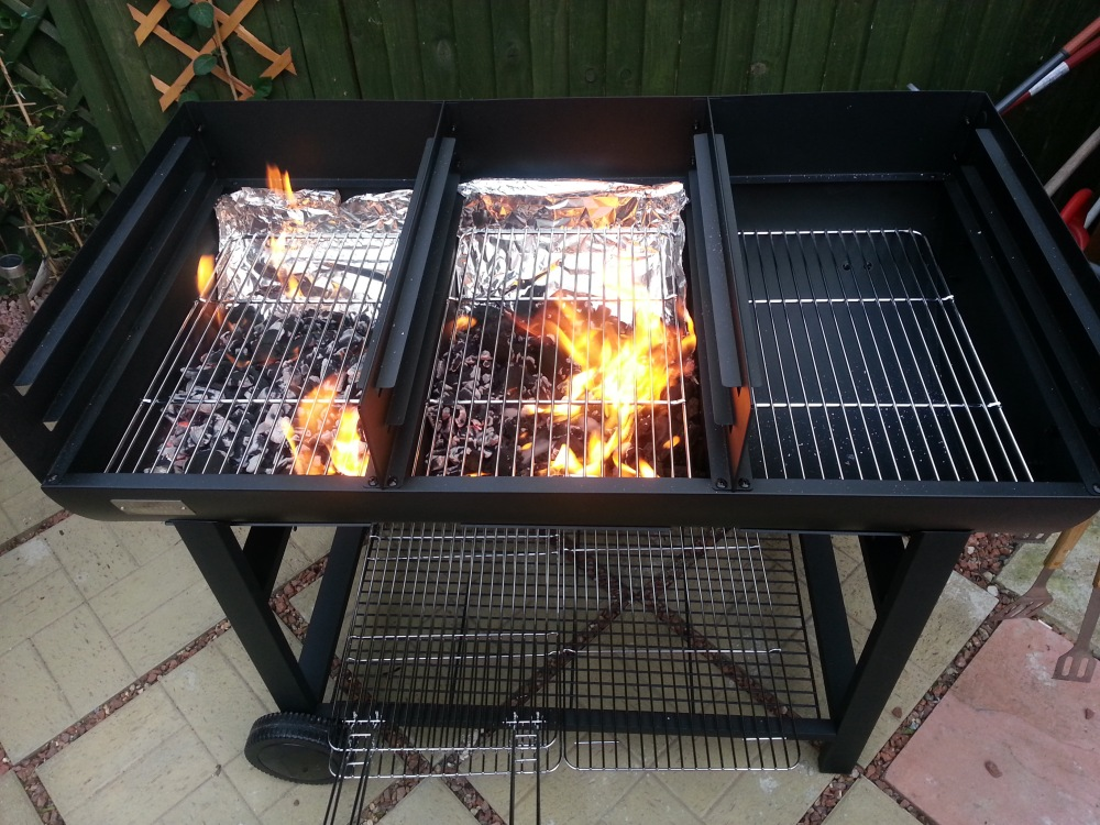 Jamie Oliver Party Oil Drum BBQ - Fired up! (1/2)