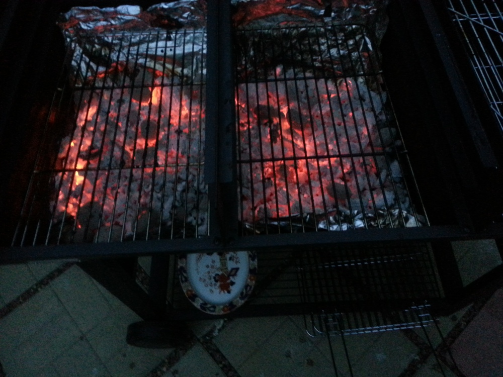 Jamie Oliver Party Oil Drum BBQ - Fired up! (2/2)
