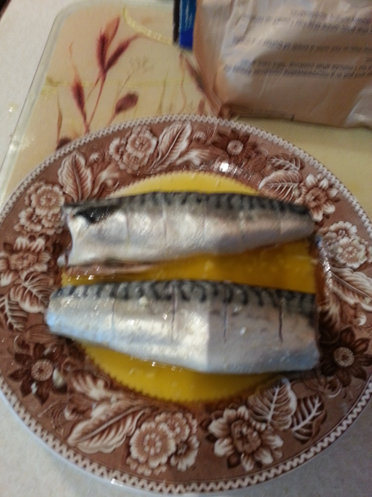 How to BBQ Mackerel - Quick And Easy! (NO foil!) (1/6)