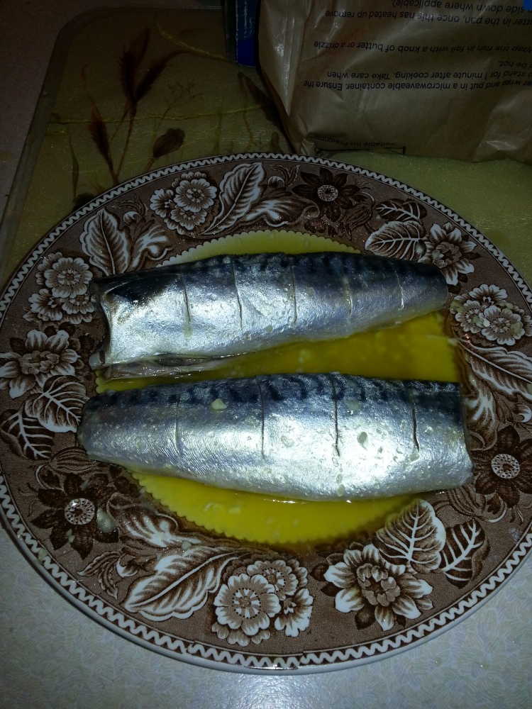 How to BBQ Mackerel - Quick And Easy! (NO foil!) (2/6)