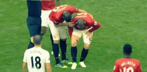 Photos of the Wayne Rooney knee (thigh) injury - Man Utd Vs Fulham 25th August 2012 (2/2)
