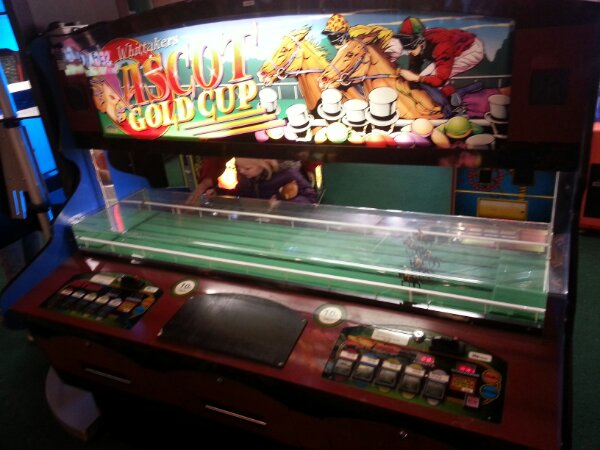 horse racing arcade game